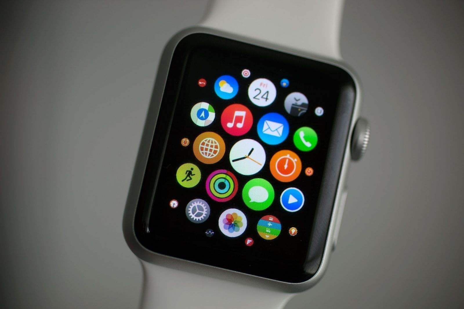 Rumor: Apple Watch Series 3 pode ser lançado no final do ano