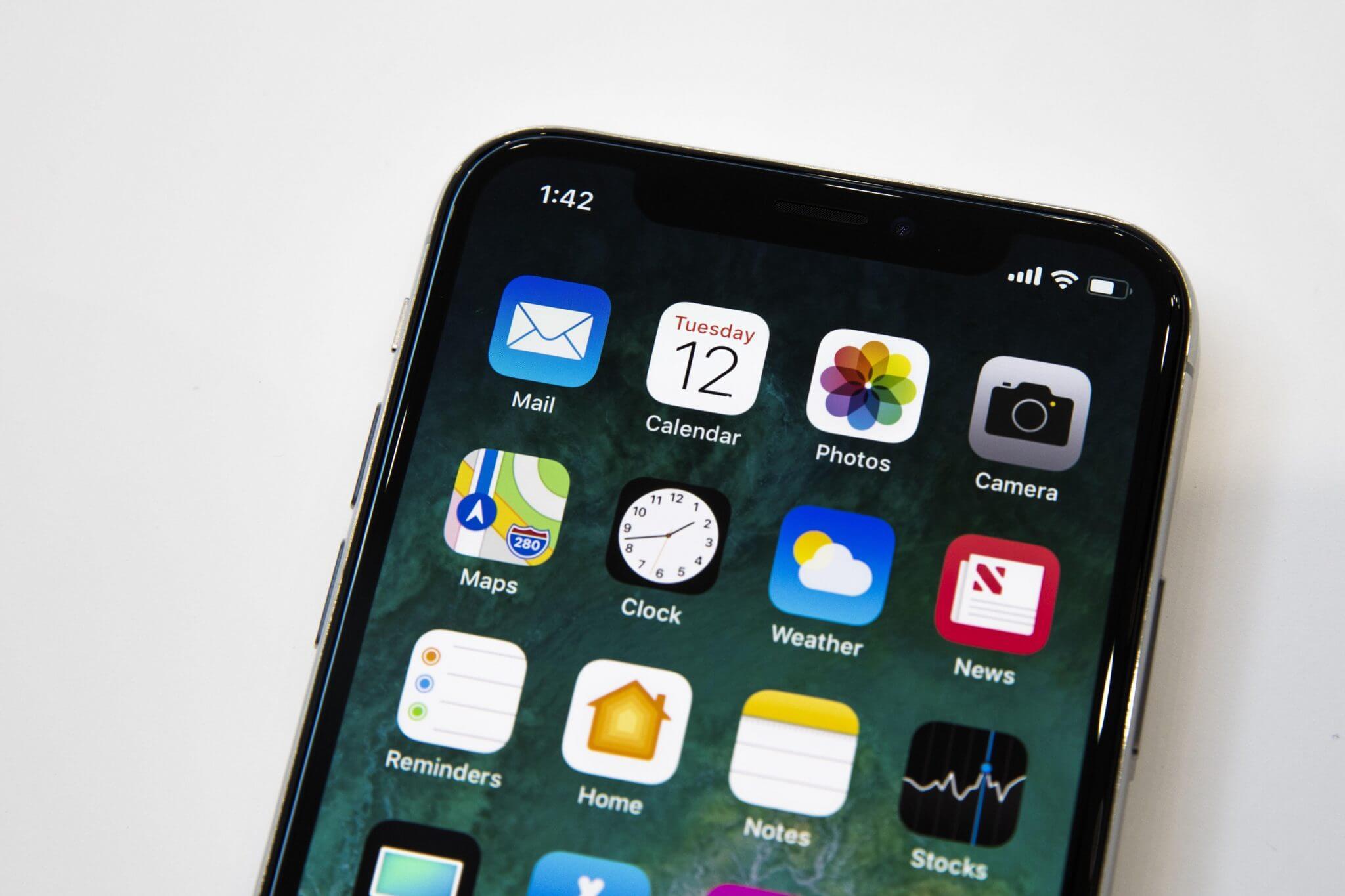apple 091217 iphone x 4120 - A tela OLED do iPhone X é a melhor já testada pelo DisplayMate
