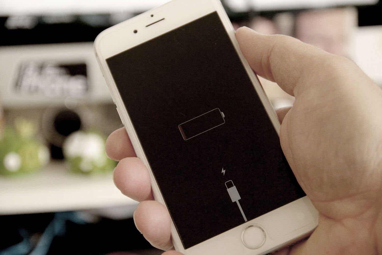 Apple reduz performance de iPhones com bateria velha 3