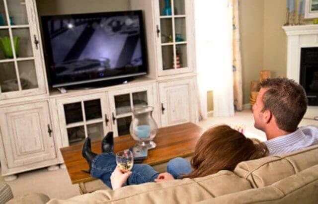 A televisão influencia sua opinião política? 7