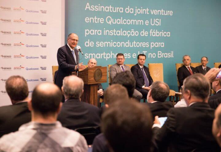 album 13 1024x704 720x495 - Qualcomm e USI instalarão fábrica de semicondutores no Brasil