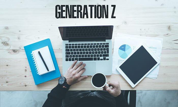 Entenda como a geração z pode revolucionar o ambiente de trabalho. Jovens da geração z procuram empregos com horário flexível, em lugares divertidos e empresas que lhe dão feedbacks constantes e não os discrimine