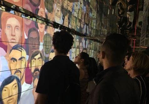 telas samsung farol santander - Monitores Samsung decoram andares do Farol Santander